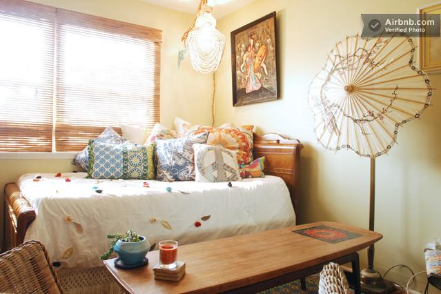 paris accommodation a cartonne anon 39 s paris. Black Bedroom Furniture Sets. Home Design Ideas